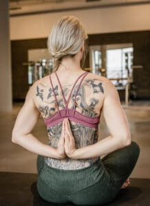 Handen achter rug: tips voor meer mobiliteit
